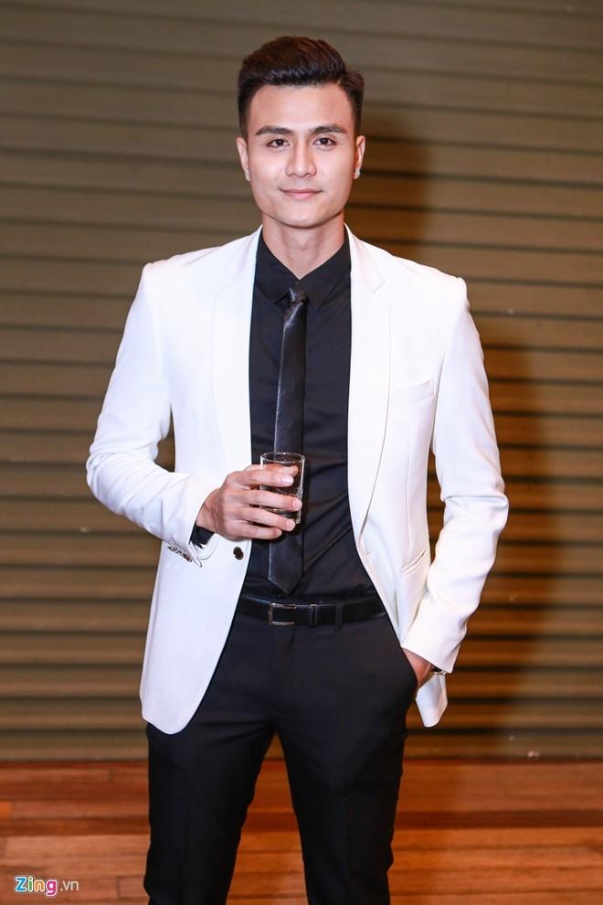 Ha Ho thay Pham Huong khong lep ve tren ghe nong The Face hinh anh 7