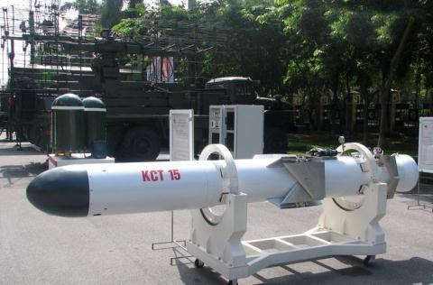 Viet Namse san xuat 3.000 qua ten lua chong ham KCT-15?