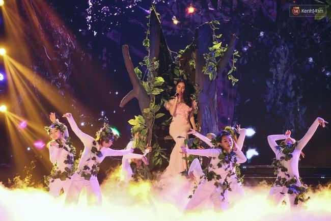 Lộ diện top 18 người đẹp bước vào đêm Chung kết Hoa hậu Việt Nam 2016 - Ảnh 38.