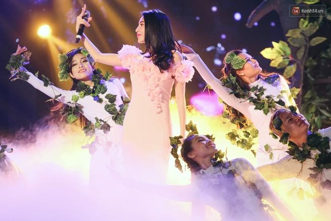 Lộ diện top 18 người đẹp bước vào đêm Chung kết Hoa hậu Việt Nam 2016 - Ảnh 40.