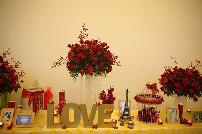 Tiệc cưới  ngập sắc hoa hồng của 'gái quê' Lê Phương