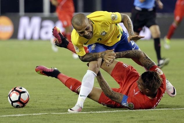 Brazil bất lực trước Peru