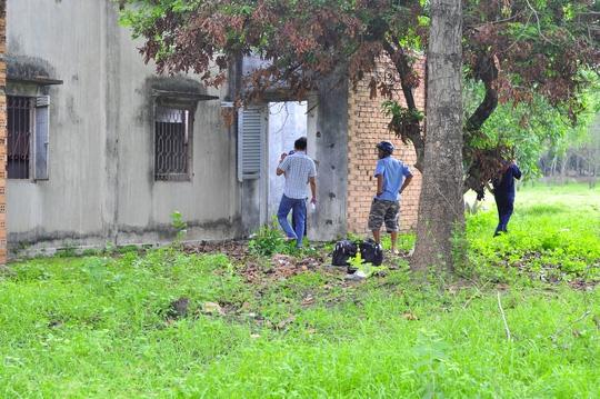 Đi chăn bò, phát hiện thi thể thanh niên trong nhà hoang