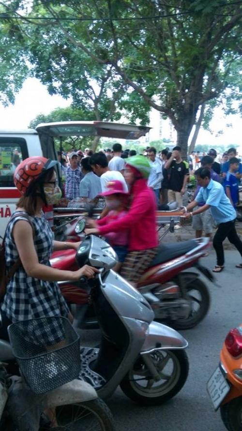 Hà Nội: Kề dao vào cổ phụ nữ, người đàn ông bị đánh nhập viện - Ảnh 1