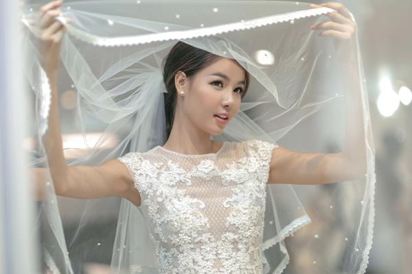 ky-han-mac-hong-quan-thu-trang-phuc-truoc-ngay-cuoi-7