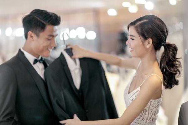 Sau lễ rước dâu và đám cưới tại Sóc Trăng vào ngày 14/6, tiệc cưới của cặp đôi này dự kiến sẽ được tổ chức vào ngày 26/6 tại TP HCM.