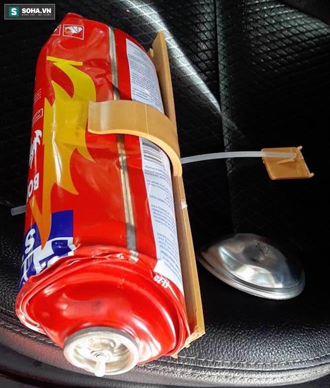 Ô tô để dưới bóng mát, bình cứu hoả mini trong xe vẫn bị nổ - Ảnh 4.