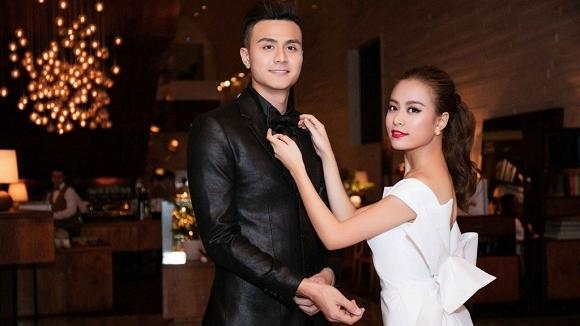 Hoàng Thùy Linh tung clip nhạy cảm  3