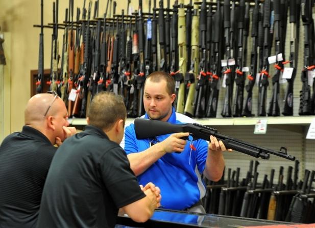 Mỹ là quốc gia sử dụng súng nhiều nhất thế giới, với ước tính khoảng 270 triệu đến 310 triệu khẩu súng đang được lưu thông. (Ảnh minh họa: Getty)