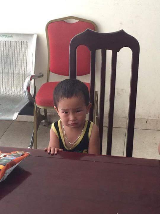 Xót xa lời tâm sự của một bé trai bị bỏ rơi ở quán phở - Ảnh 1.