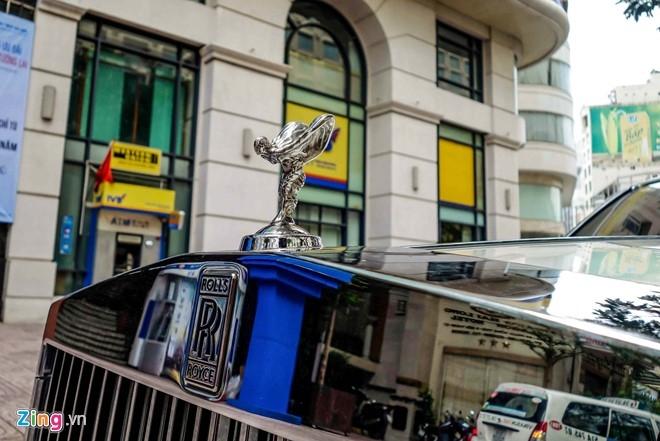 Rolls-Royce Phantom cua thieu gia Phan Thanh o Sai Gon hinh anh 5