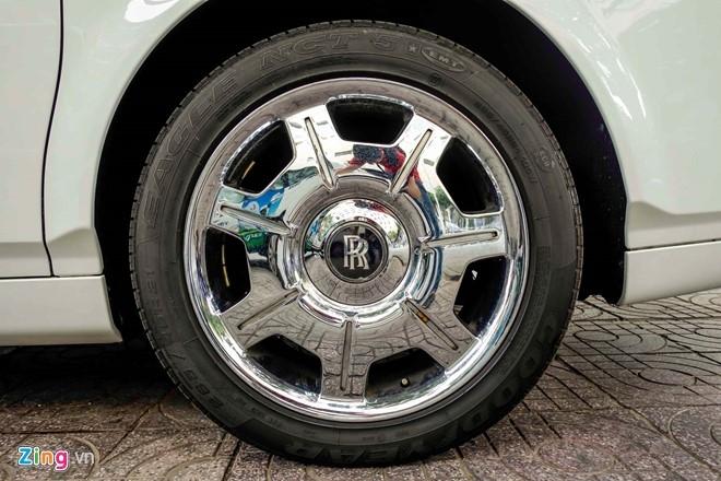 Rolls-Royce Phantom cua thieu gia Phan Thanh o Sai Gon hinh anh 6