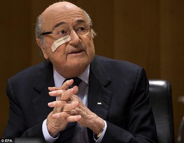 Sốc: Sepp Blatter tiết lộ Euro 2016 có thể bị dàn xếp - Ảnh 1.
