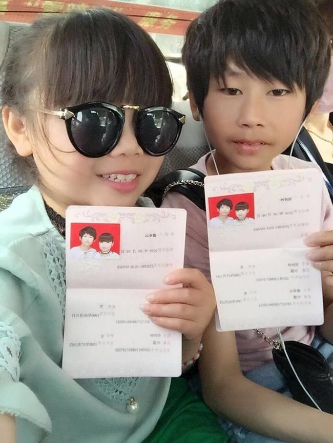 Sự thật bất ngờ về cặp vợ chồng trẻ con với gương mặt búng ra sữa - Ảnh 1.