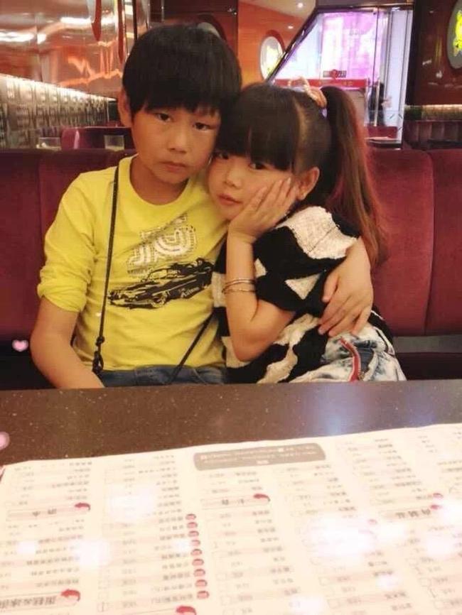 Sự thật bất ngờ về cặp vợ chồng trẻ con với gương mặt búng ra sữa - Ảnh 4.