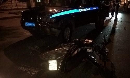 Hiện trường vụ tai nạn xe Cảnh sát 113 tông vào xe máy (ảnh người dân cung cấp)