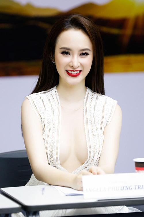 angela-phuong-trinh-khoe-nguc-het-co-di-tuyen-dien-vien-4