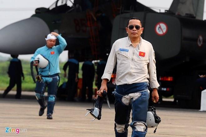 Hai ngay tim kiem phi cong Su-30 gap nan hinh anh 12
