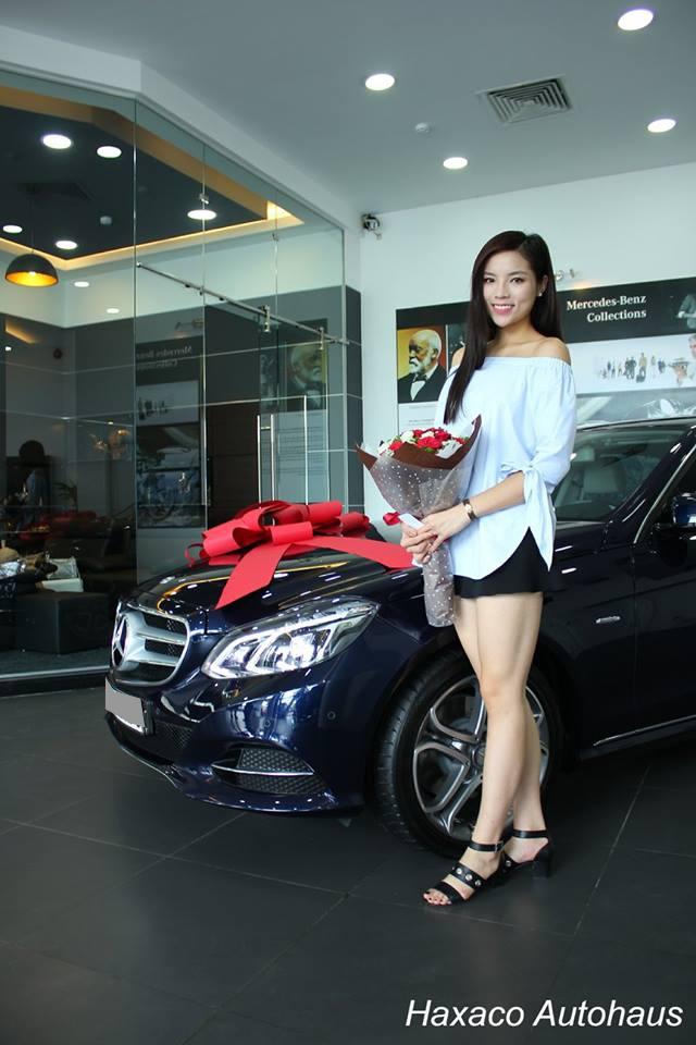 Hoa hậu Việt Nam 2014, Nguyễn Cao Kỳ Duyên bên chiếc Mercedes E200 vừa mới tậu.