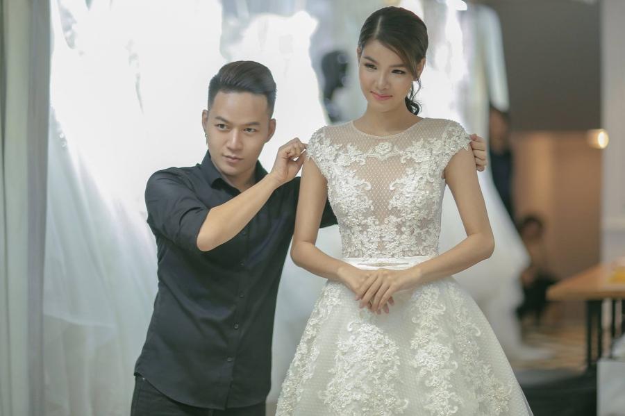 Mạc Hồng Quân tặng vợ 4 chiếc váy cưới - 2