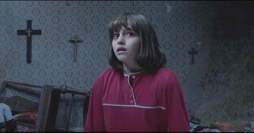 """Cô bé siêu đáng yêu trong phim kinh dị 17+ """"The Conjuring 2"""" - 2"""