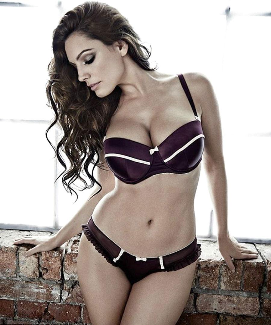 Kelly Brook đẹp hoàn hảo với khuôn ngực 99cm - 8