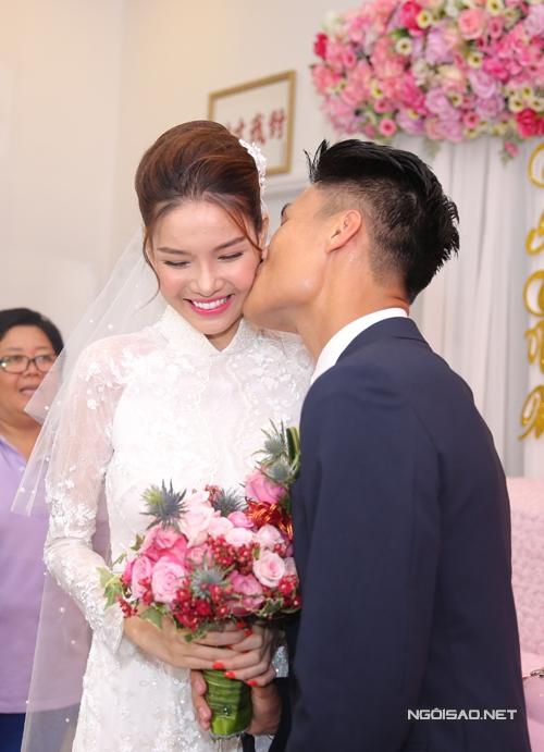 mac-hong-quan-ky-han-yeu-6-thang-cuoi-lien-tay-13