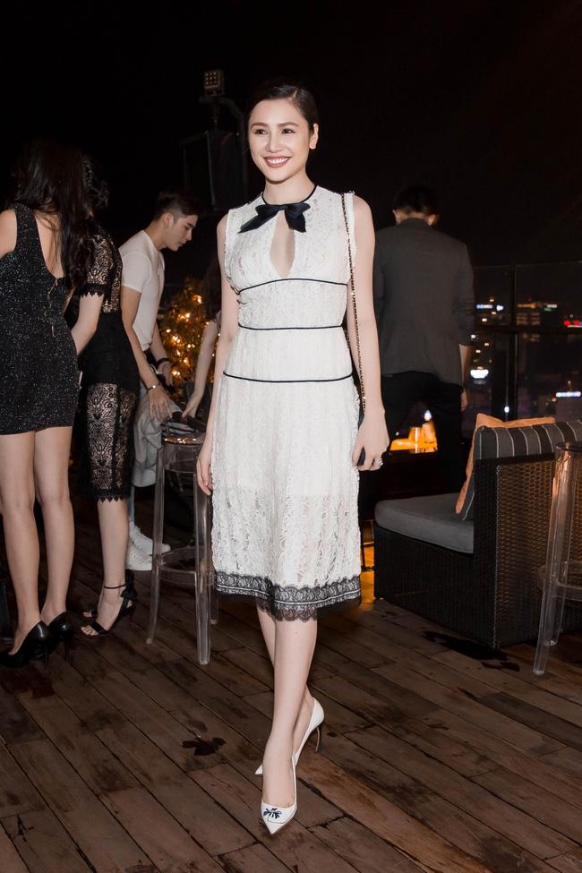 Ngọc Trinh diện cây trắng, tự tin đọ sắc bên hai Hoa hậu Hàn Quốc và Trung Quốc - Ảnh 9.