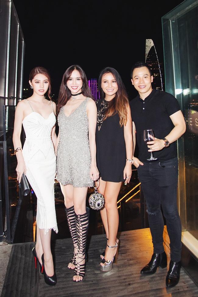 Ngọc Trinh diện cây trắng, tự tin đọ sắc bên hai Hoa hậu Hàn Quốc và Trung Quốc - Ảnh 16.
