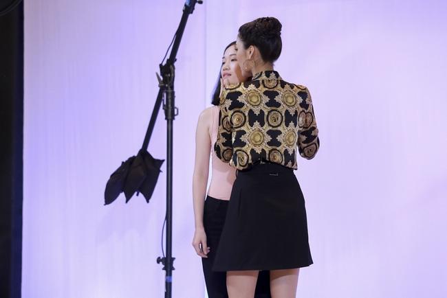 Phạm Hương đem vương miện Hoa hậu Hoàn vũ ra lôi kéo thí sinh - Ảnh 5.
