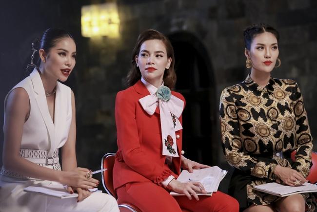 Phạm Hương đem vương miện Hoa hậu Hoàn vũ ra lôi kéo thí sinh - Ảnh 8.