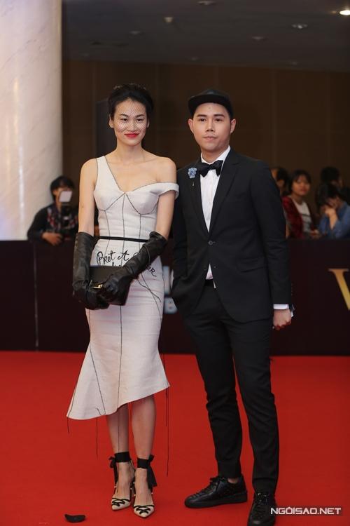 Thanh Trúc và nhà thiết kế Lâm Gia Khang.