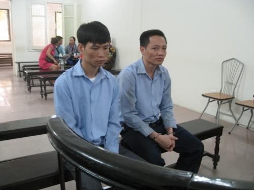 Bóc gỡ đường dây làm giả bằng lái xe của hai cựu giáo viên - Ảnh 1