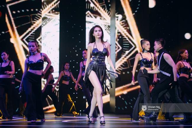 Không chỉ nhảy cực sexy, Ngọc Trinh còn tự tin hát trên sân khấu - Ảnh 7.