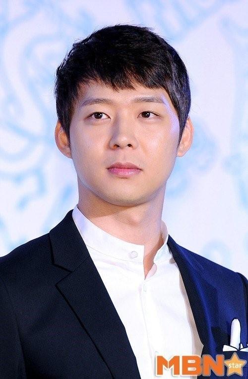 Nguoi thu 3 to Park Yoochun cuong dam hinh anh 1