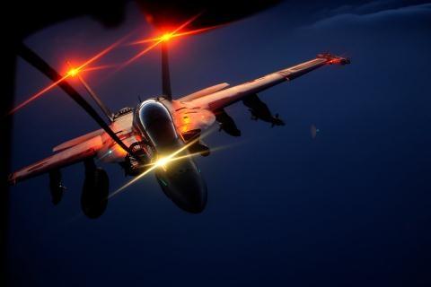 Thêm tín hiệu Việt Nam có thể mua tiêm kích F/A-18  - Ảnh 1.