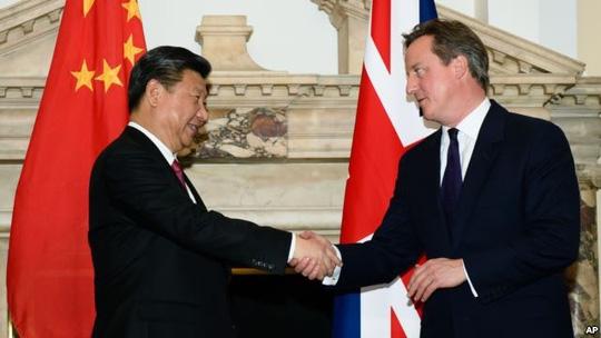 Trong chuyến thăm Anh vào tháng 10 năm ngoái, Chủ tịch Trung Quốc Tập Cận Bình gửi gắm thông điệp mong muốn châu Âu hùng mạnh và đoàn kết Ảnh: AP