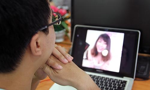 facebook-live-bien-tuong-thanh-dich-vu-chat-sex