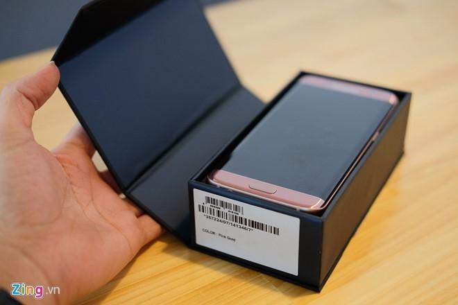 Mo hop Galaxy S7 edge mau hong chinh hang vua ban o VN hinh anh 2