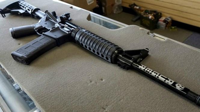 AR-15 là khẩu súng trường được những kẻ giết người hàng loạt ưa chuộng /// Reuters