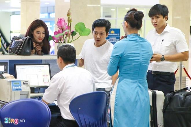 Truong Giang - Nha Phuong chay hoi ha o san bay vi tre gio hinh anh 7