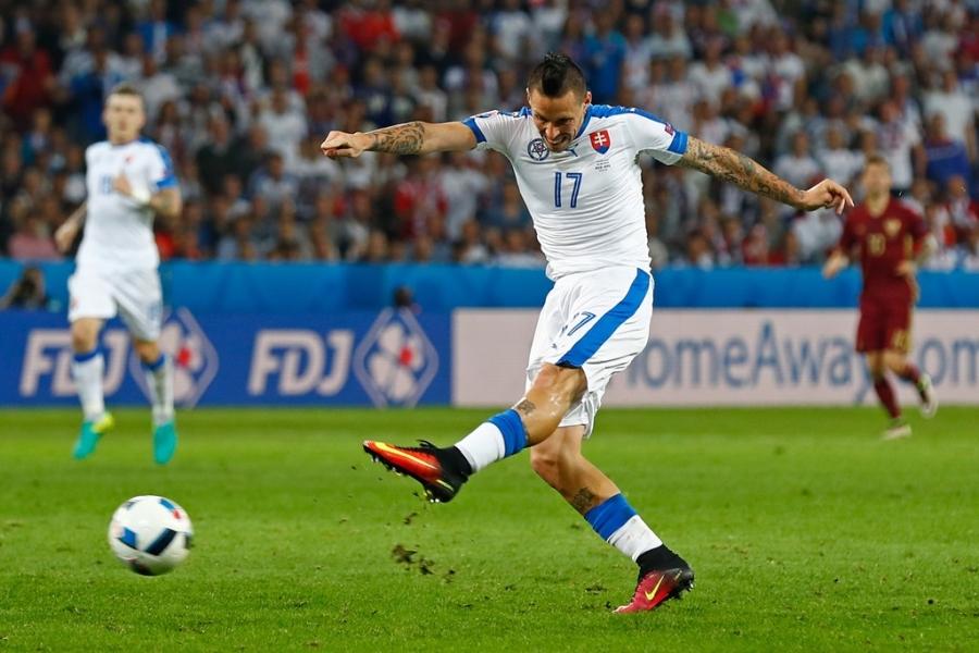 Doi hinh hay nhat luot thu hai vong bang Euro 2016 hinh anh 8