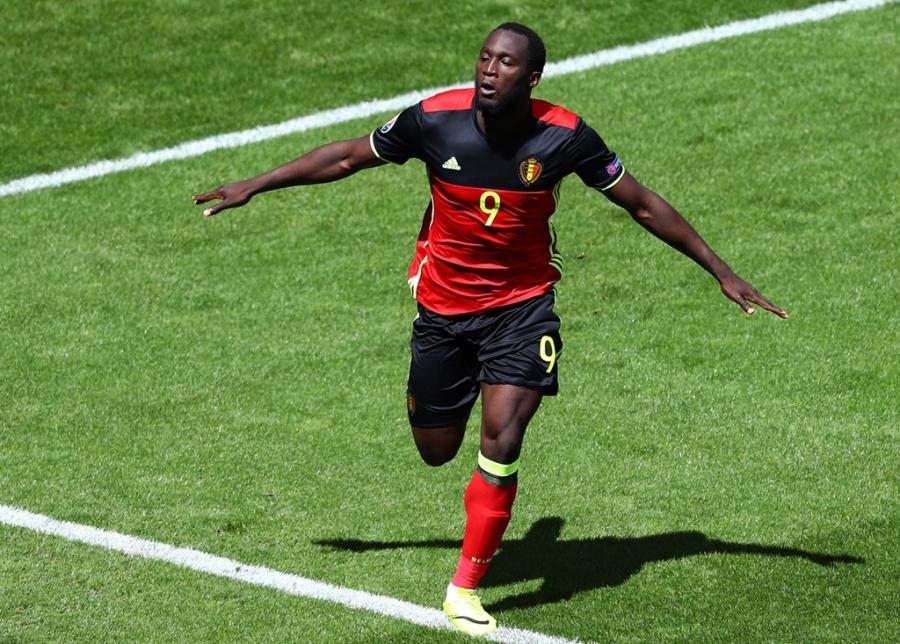 Doi hinh hay nhat luot thu hai vong bang Euro 2016 hinh anh 11