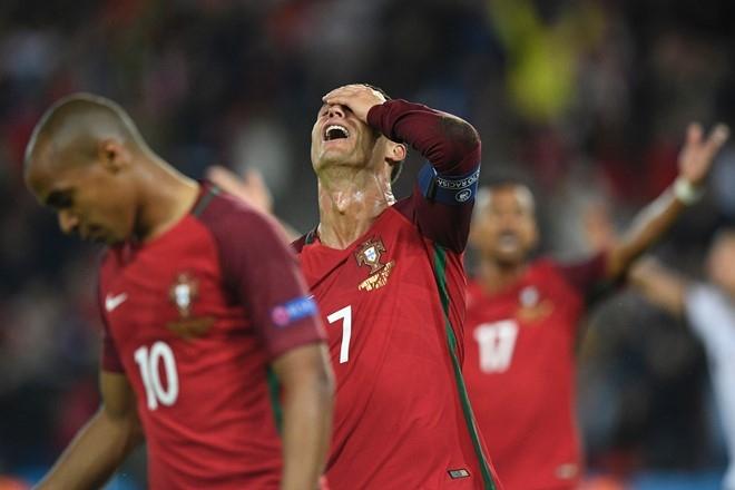Khi Ronaldo can Modric doi quoc tich Bo Dao Nha hinh anh 1