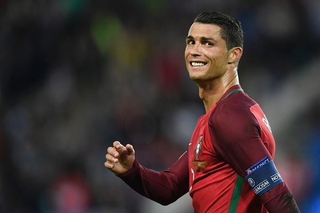Khi Ronaldo can Modric doi quoc tich Bo Dao Nha hinh anh 2