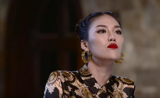 Phạm Hương, Lan Khuê ghét nhau ra mặt trên sóng truyền hình - Ảnh 2.
