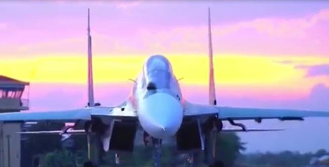 Clip: Chiếc ghế phía sau máy bay SU30 - MK2 - Ảnh 4.