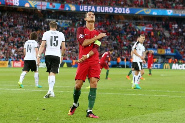 Cho đến sau trận gặp Áo tại Euro 2016, Ronaldo đã có tổng cộng 36 lần đá phạt trực tiếp ở các giải đấu lớn, chưa ghi bàn nào từ các tình huống ấy