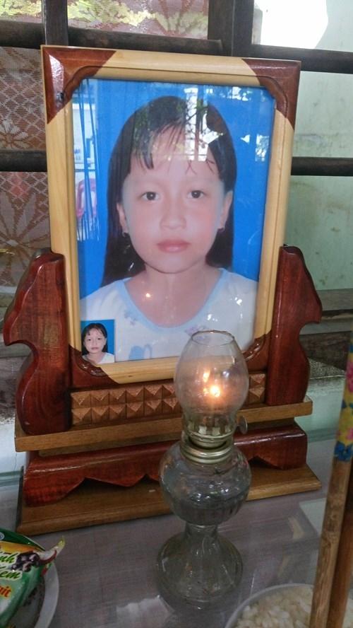 Hàng nghìn học sinh khóc thương ba cô giáo tử nạn ở đèo Prenn - ảnh 2