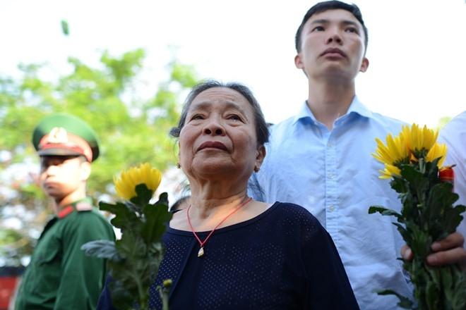 Hinh anh xuc dong trong dam tang phi cong Tran Quang Khai hinh anh 11